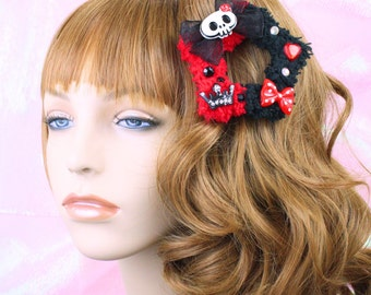 Black and red fuzzy two way clip-gothic-harley quin-skulls-cabochons-hair accessory-fairy kei-halloween accessory-creepy cute-lolita-yarn