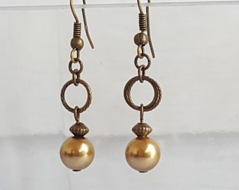 Vintage Antique Gold Twisted Circle Pearl Earrings