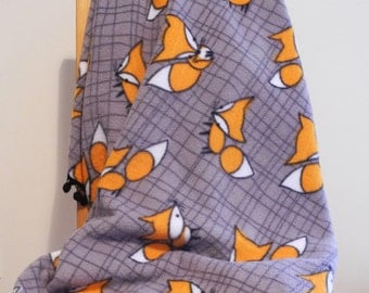 Fox lap throw - Fleece lap throw with fox and pom pom - Fleece blanket Fox and pom pom - Hygge blanket