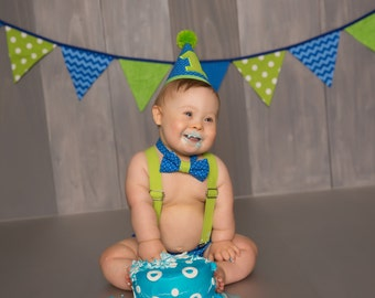 Boy Cake Smash Outfit, Blue and Green Cake Smash Outfit, Cake Smash Outfit, Boys 1st Birthday, Birthday Outfit, Boys Birthday, Photo Prop