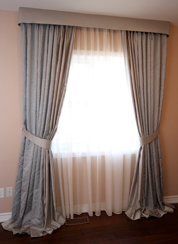 Custom Drapes Leaf Pinch Pleated Floral Drapes