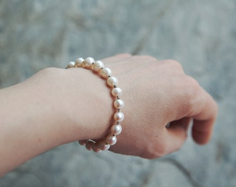 Pearl and sterling silver beaded bracelet