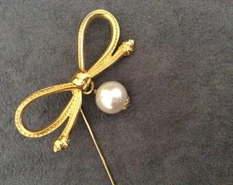 Vintage Salvatore Ferragamo pin / brooch