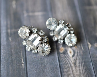 Vintage Clear Rhinestone Hollywood Clip On Glitzy Earrings