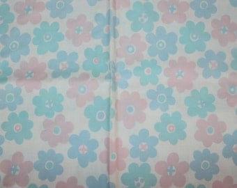 So sweet Baby duvet cover / large Pillowcase with retro floral pattern in pink and blue. Made in Sweden Scandinavian.