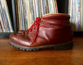 Vintage 1970s Womens VASQUE Brown Leather Italian Hiking Outdoor BOOTS Size 10.5 Lace Up Mountaineer Red Wing Hipster Waffle Stompers