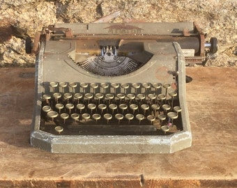 1930's French military / industrial typewriter by Aiglon