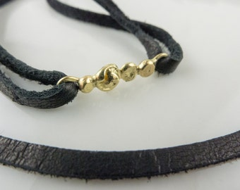 WCG612 18k Yellow Gold and Leather Choker