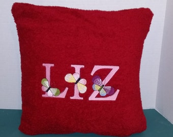 PILLOW W/ REMOVABLE COVER
