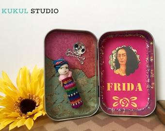 Day of the Dead Shrine. Dia de los Muertos Altar. Day of the Dead. Frida Kahlo Altar. Frida Nicho. Frida Shrine. Personal Altar. Frida Altar