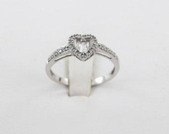 14k White Gold Heart Shape Diamond Ring Size 7