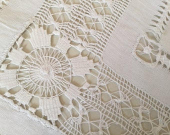 1950's White Lace Table Cloth 92 cm by 94 cm Excellent Condition
