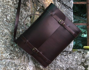 Original leather Bag - Creations by Ludena in Spain - business bag - ipad bag - handmade briefcase - Leather Shoulder Bag Nature.
