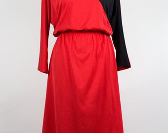Vintage Dress // Red // 80s // Batwing