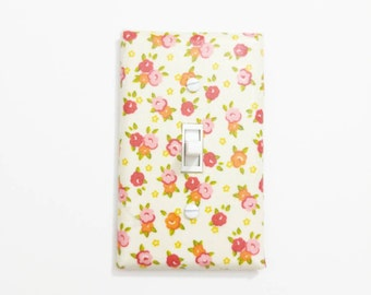 Cream Floral Switchplate, Floral light switch cover, Floral switch plate, Floral Wall Plate,  Flower Wall Art, Flower Wall Decor