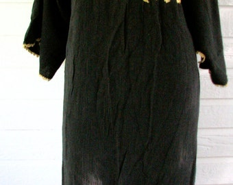 Vintage Caftan Robe Black Gold Embroidered Lounge Flowers BoHo Hippie Mexican Gauze