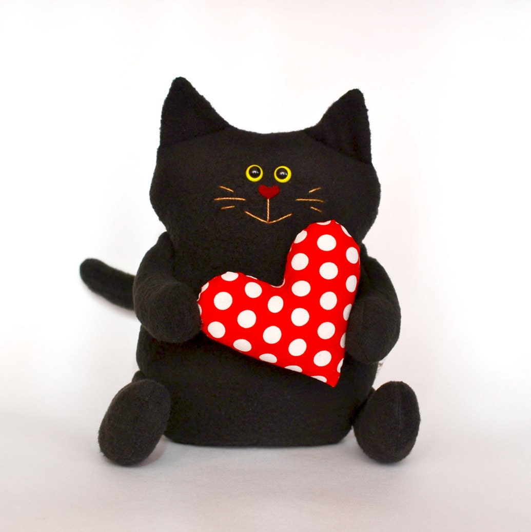 black cat stuffed animals cat with heart plushies plush. Black Bedroom Furniture Sets. Home Design Ideas