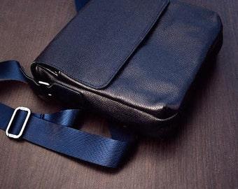 Shoulder bag. Sling bag for men. Blue leather bag.