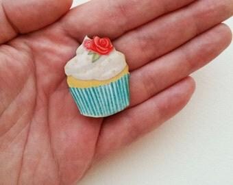 Cupcake Brooch