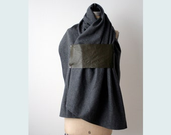 018 gray wool & leather scarf