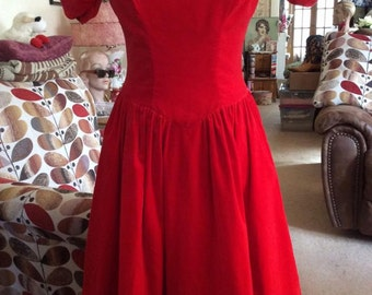 Vintage 1950s 1960s Dress Dark Deep Red Velvet White Attached Underslip Hess Brothers Allentown, PA.