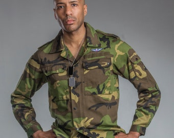 1990's Authentic MILITARY STYLE VINTAGE German Jungle/Woodland Camo Field Shirt