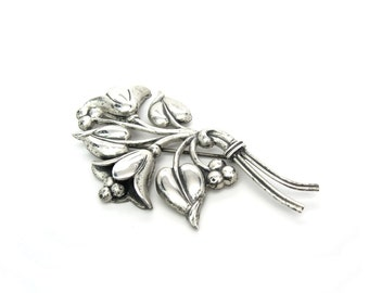 Bell Flower Brooch. Sterling Silver, Nordic Style Bouquet. Sterling Craft by Coro. Vintage 1940's Retro Coro Jewelry