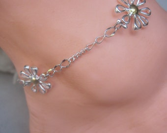 "Sterling Silver 9""  Three  Daisy Ankle Chain"