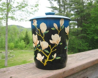 1950s Magnolia Blossom Tea Biscuit Candy Tin w Lid George W Horner & Co Made in England