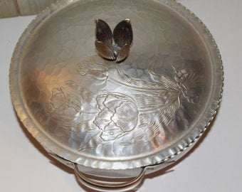 Vintage Hammered Aluminum Serving Dish with Lid - Tulips - Retro - Mid Century - Collectibles - Housewares - Home Decor - 1950s