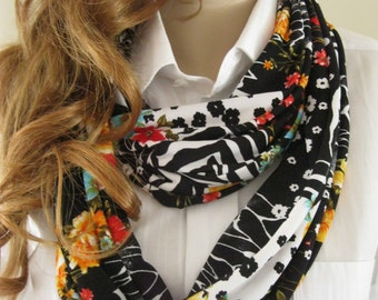 Infinity scarf with floral pattern