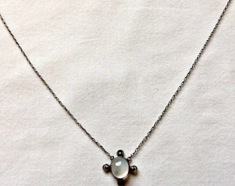 Luminous and Dainty Vintage Edwardian Genuine Blue Cabochon Moonstone Necklace Set In Sterling Silver