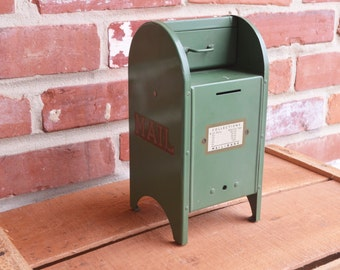 Vintage/Antique Green US Mail-Bank
