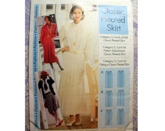 Women's Classic Pleated Skirt Sewing Pattern Size 4, 6, 8, 10, 12, 14, 16, 18, 20, 22 Uncut Sewing Step-by-Step IMP BV/IMP Inc.