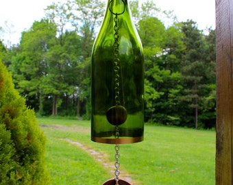 Wine Bottle Wind Chime - Wine Gift, Gift for Her, Gift for Mom, Mothers Day Gift, Wine Decor, Wine Chime, Garden Decor, Wine Bottle Decor