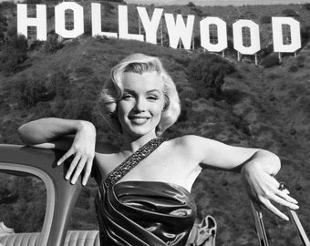 Marilyn Monroe in front of the Hollywood sign , 1950's