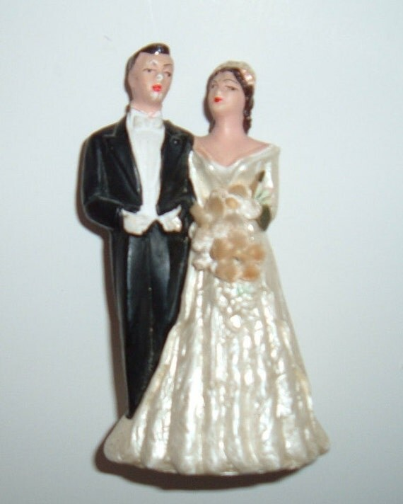 brunette wedding cake toppers 1950 wedding cake topper and groom pearlized 12201