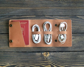 Leather travel cord organizer. Cord organizer. Handmade. Light brown color.