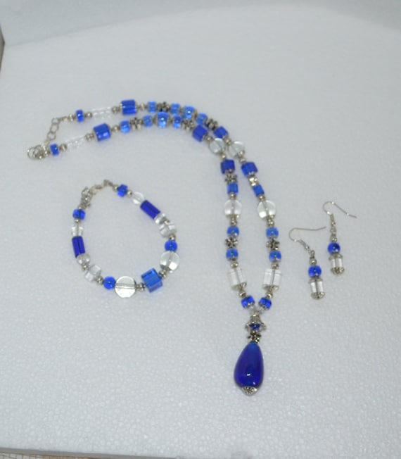 Necklace Bracelet & Earring Set Lariat Style with Cobalt Blue Clear and Silver Daisy Beads
