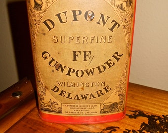 Antique GUN POWDER TIN / DuPont Superfine FFg / 1924