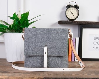 Small crossbody purse, Bags, White leather, Felt bag with roomy interior