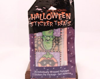 Vintage Halloween Sticker Treats. 20 Individually Wrapped Packages/2 Stickers per Package