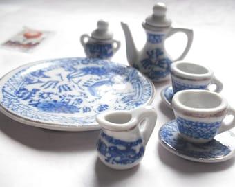 miniature blue and white teaset