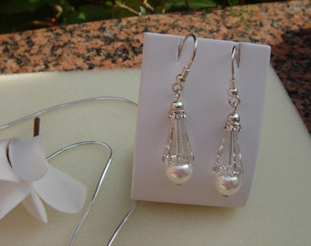 Silver earrings with pearls and crystals, sparkling beautiful!