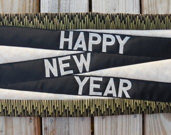 New Years table runner