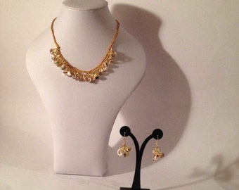 Shell and amber necklace and earrings