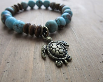Pearls and antique brass turtle charm bracelet