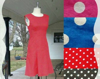 1950s Women's Dress in Polka-Dot Vintage Retro 50s Pin-Up
