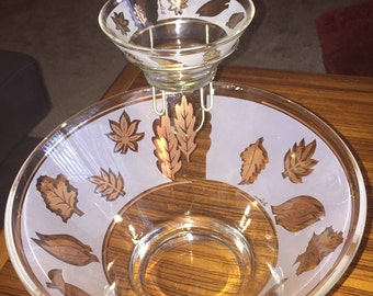 Vintage G. Reeves gold accent chip and dip set