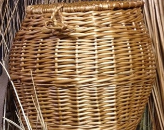 Handmade Willow Fly Fishing Creel (Shoulder Basket)